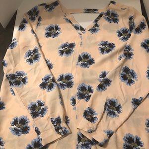 Pink floral Loft blouse 👚